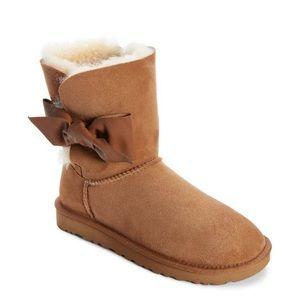 Ugg boot NWB size 9